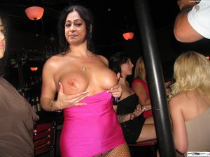 Kirron Kher Nude Showing her Boobs [Fake]