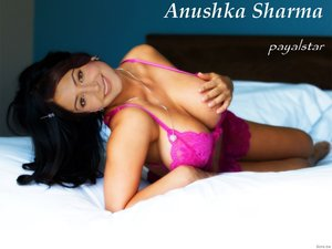 Anushka Sharma in Pink Lingrie Showing her Milky Boobs [Fake]