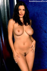 Preity Zinta Nude Showingher Boobs and Pussy n Pressing it Hard [Fake]