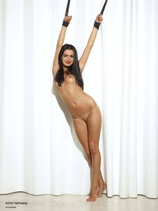 zzr79mow9mgf t Anne Hathaway Fake Nude and Sex Picture