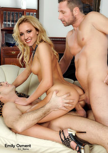 htz1tvj9igmt t Emily Osment Fake Nude and Sex Picture