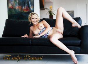 ycg92ubkczuv t Emily Osment Fake Nude and Sex Picture